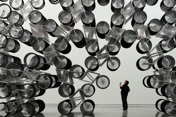 Forever Bicycles di Ai Weiwei