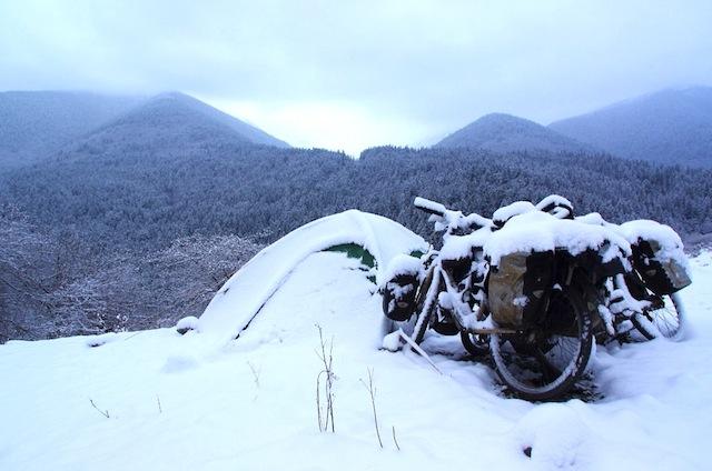 Cina, in bici a 4000m nella regione Tibetana del Kham