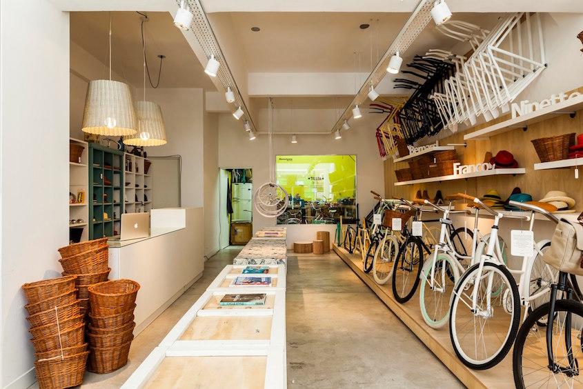 Monochrome _bike_shop_Buenos Aires_2