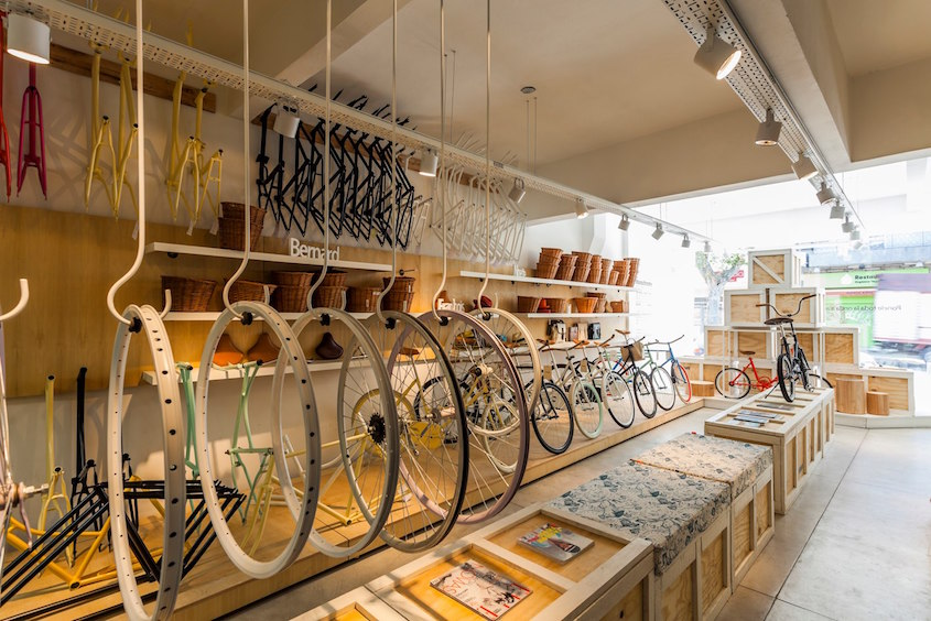 Monochrome _bike_shop_Buenos Aires_3