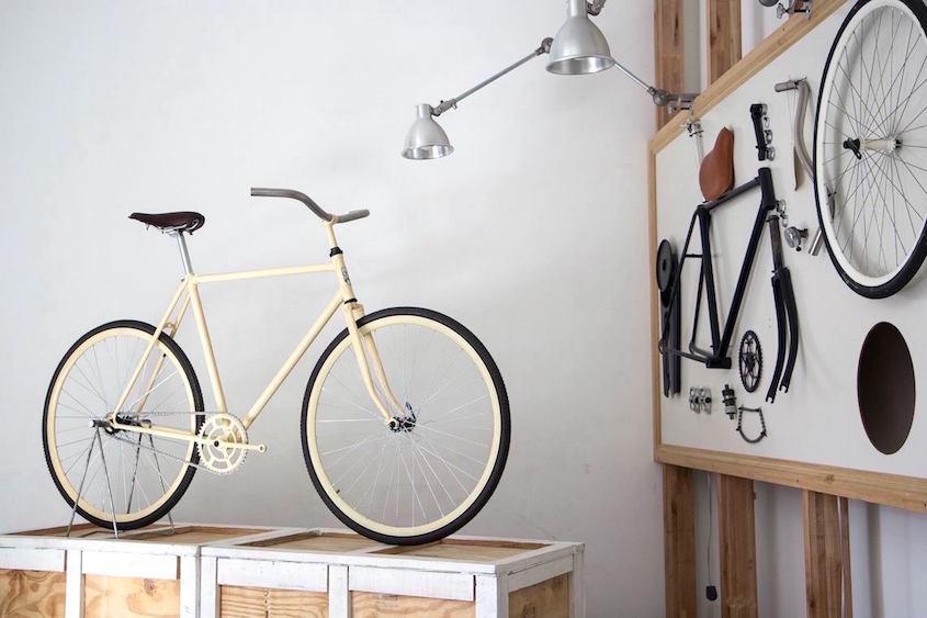 Monochrome _bike_shop_Buenos Aires_4