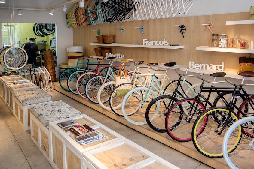 Monochrome _bike_shop_Buenos Aires_7