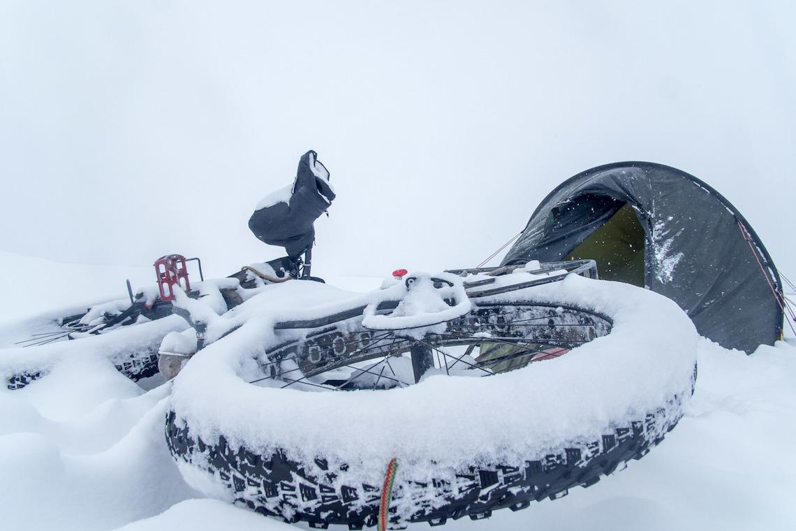 The Frozen Road. Avventura in bici nell'Artico