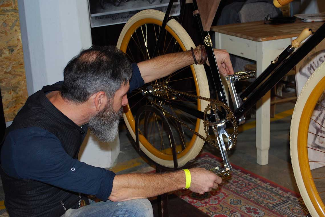 Mustache Cycles Imperial Race_urbancycling_11
