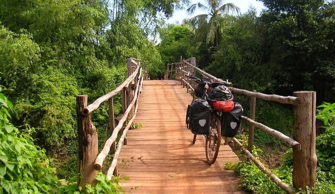 Cicloturismo in Cambogia. Avventura e spiritualità
