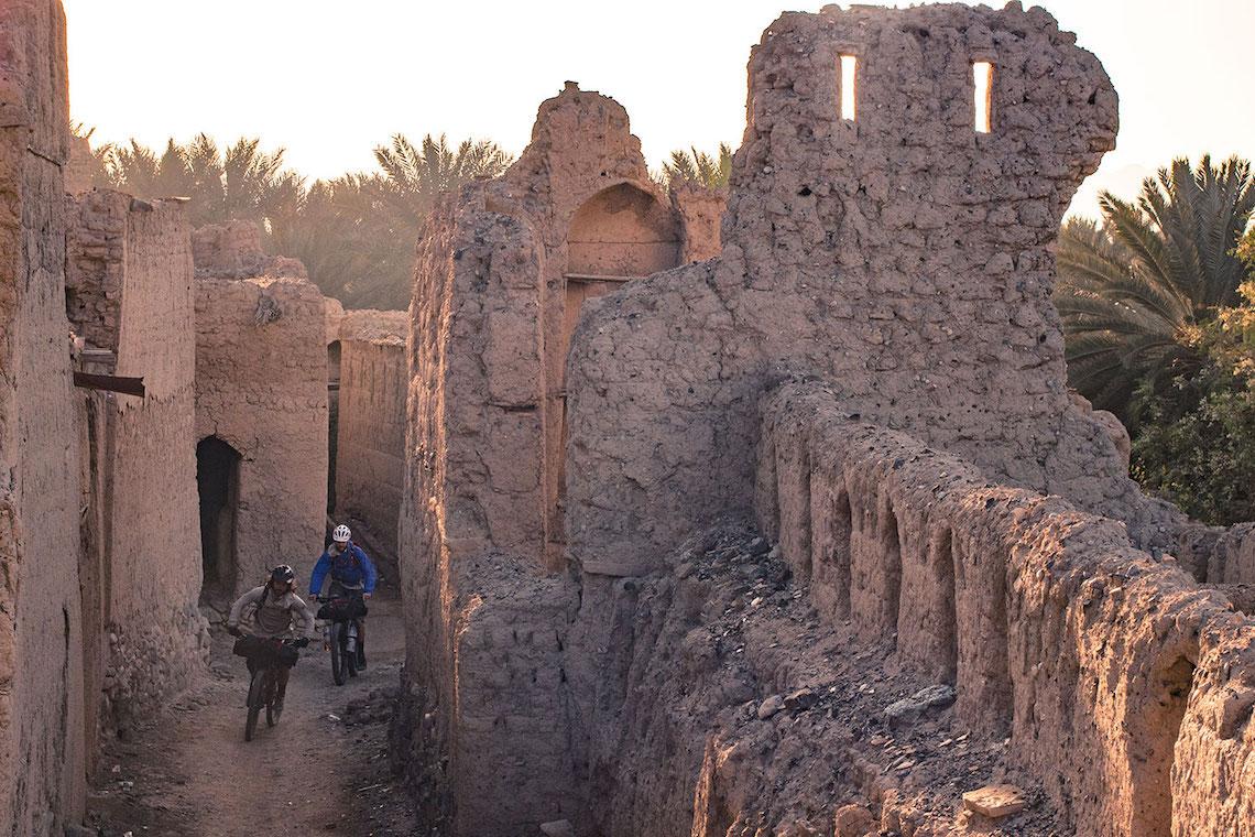 Oman bikepacking_Al Hajar_urbancycling_4