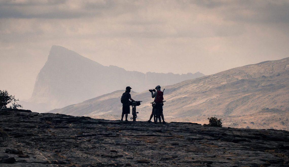 Oman in bikepacking. Traversata dei monti Al Hajar