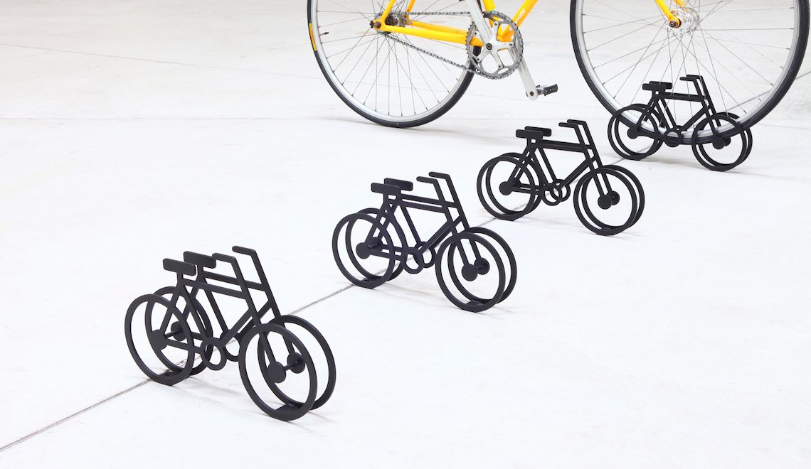 On Bicycle Stand. Design di Yuma Kano