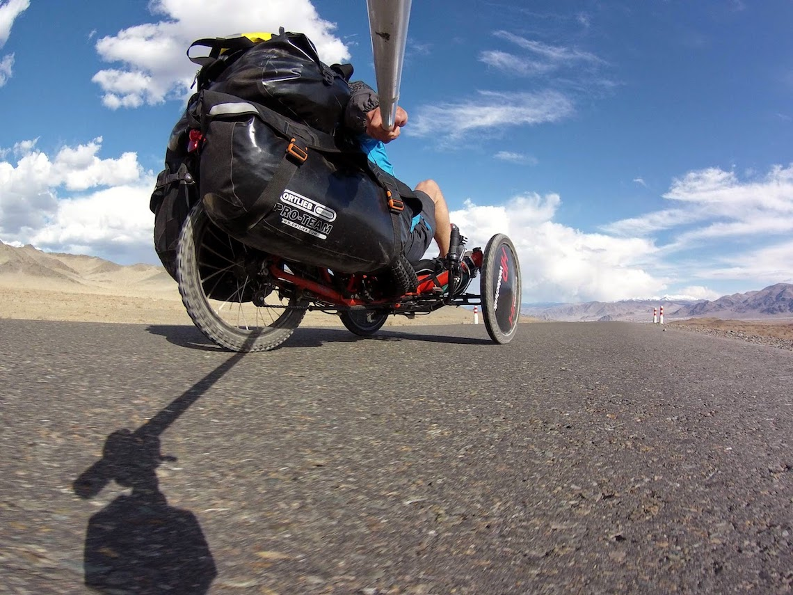 The Transmongolian Kite-Trike-Tour_urbancycling_2