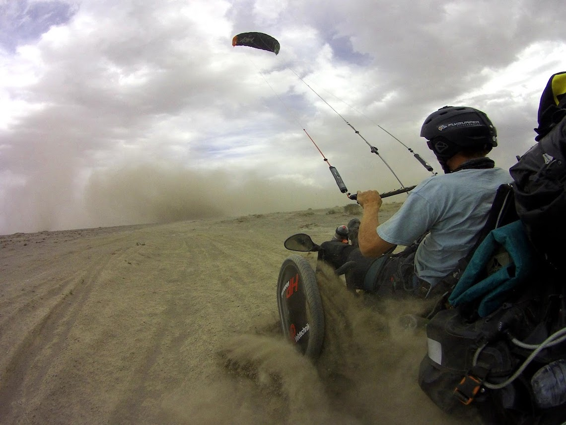 The Transmongolian Kite-Trike-Tour_urbancycling_6