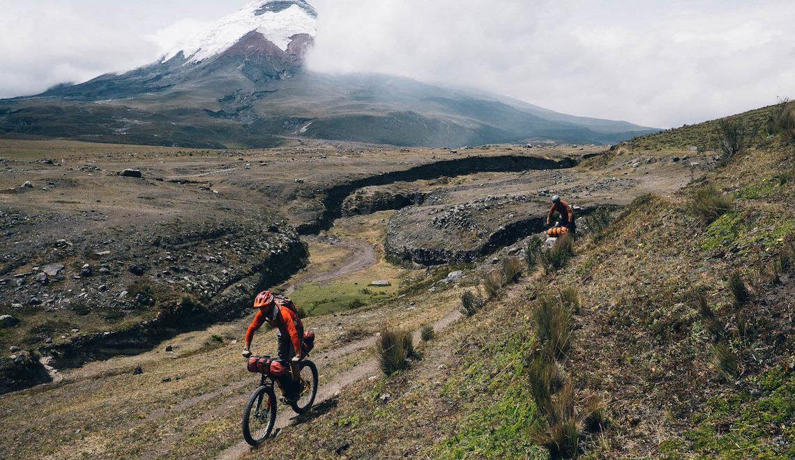 "Cotopaxi 360. Bikepacking intorno al ""Vulcano dell' Ecuador"""