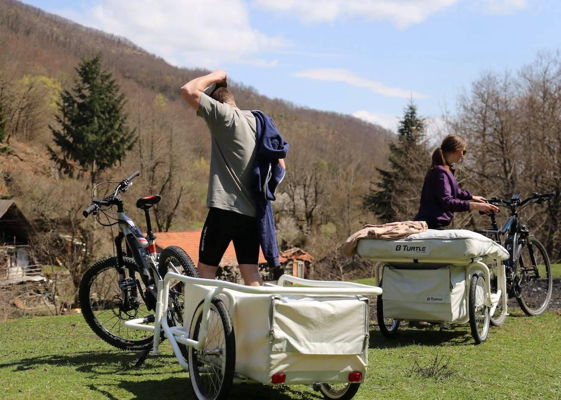 B-Turtle il camper gonfiabile per la bici_1