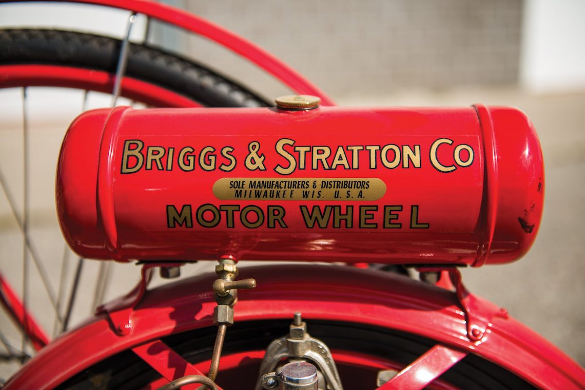 Briggs & Stratton Flyer bicycle_3