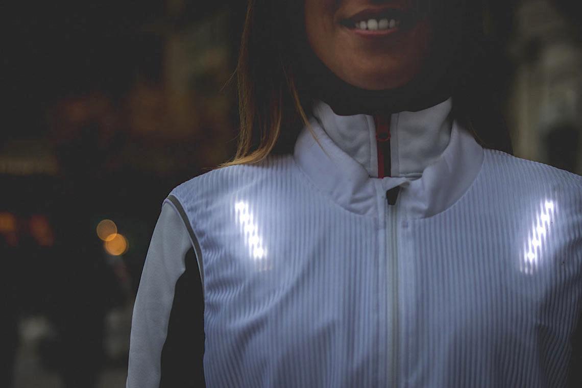 CLARA il gilet luminoso per i ciclisti_4