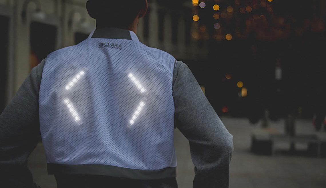 CLARA il gilet luminoso per ciclisti e runners