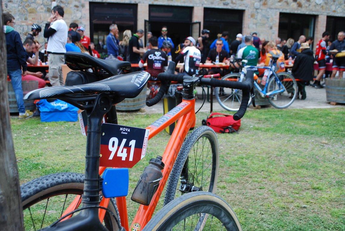 NOVA Eroica A Buonconvento con le gravel bike_urbancycling.it_14