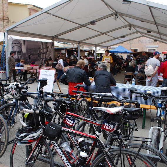 NOVA Eroica A Buonconvento con le gravel bike_urbancycling.it_31