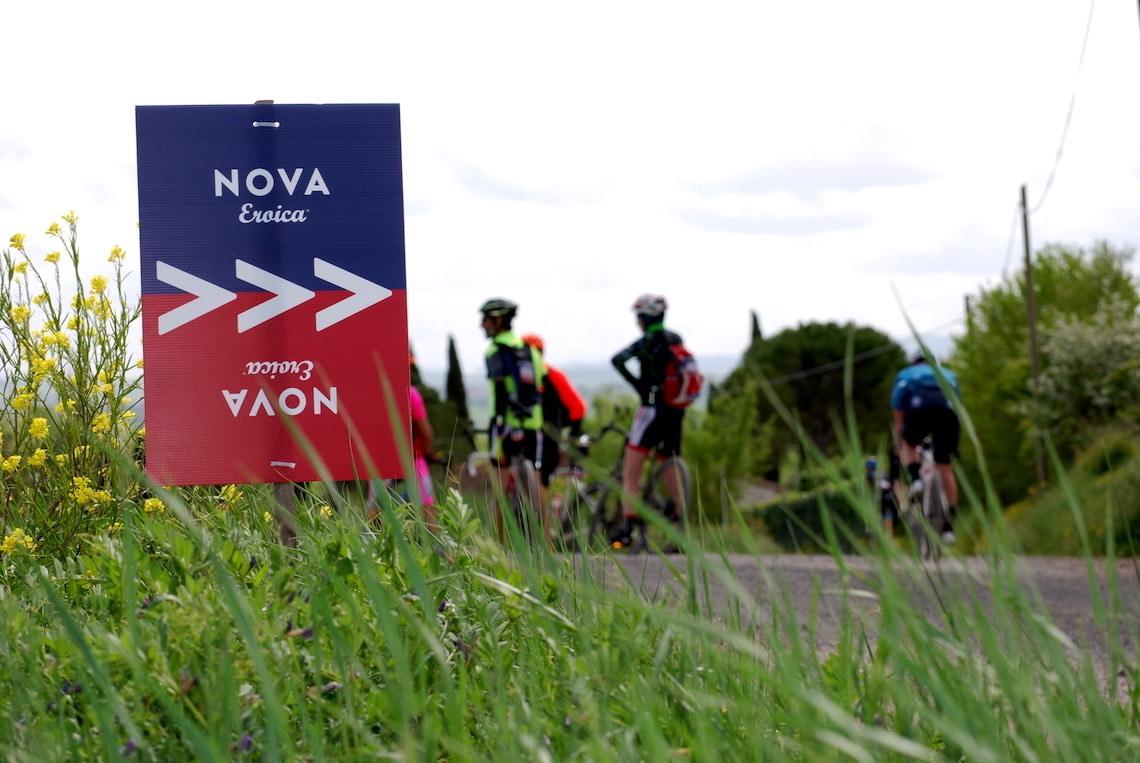 NOVA Eroica A Buonconvento con le gravel bike_urbancycling.it_4