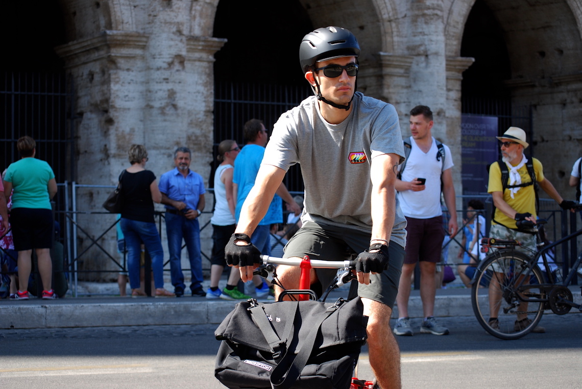 GIRO urban cycling apparel_Roma_Colosseo_urbancycling.it_5