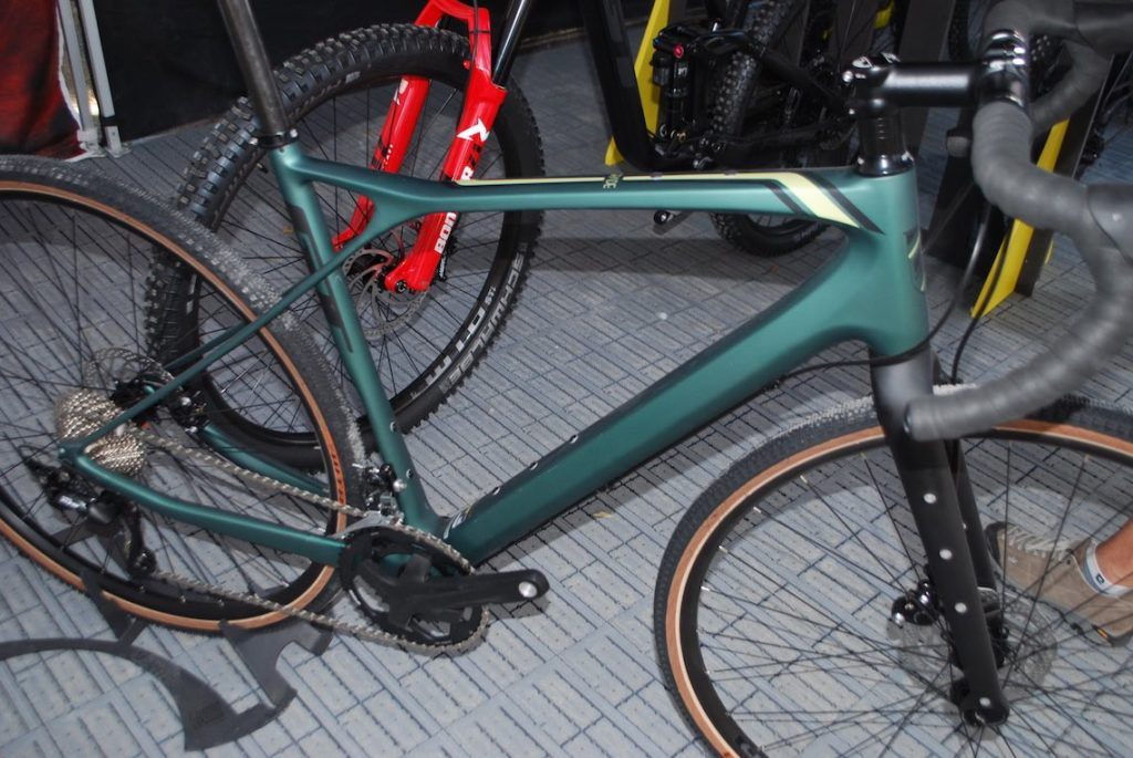 GT Grade Carbon Expert_gravel gallery_urbancycling.it_1