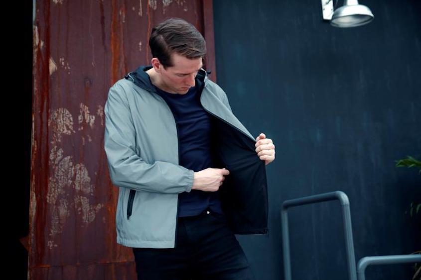 La leggera giacca riflettente e reversibile_urbancycling.it_5