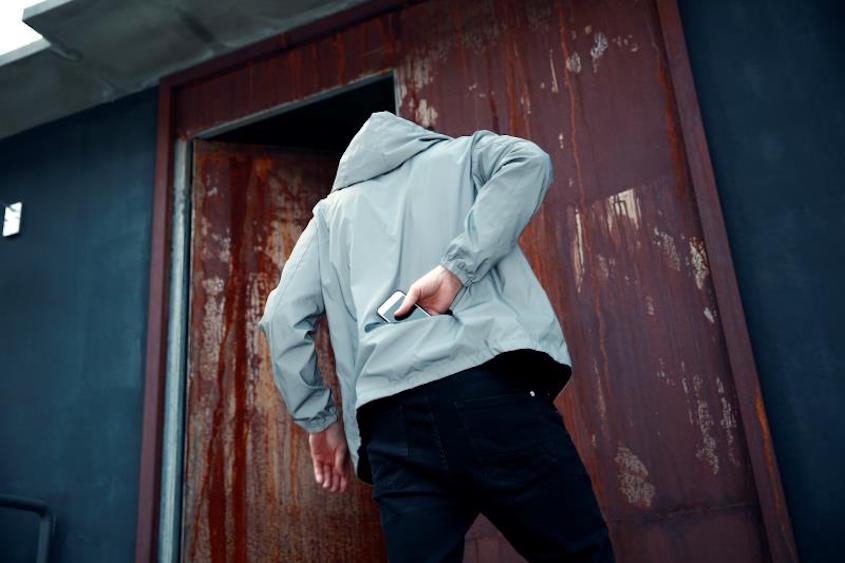 La leggera giacca riflettente e reversibile_urbancycling.it_7