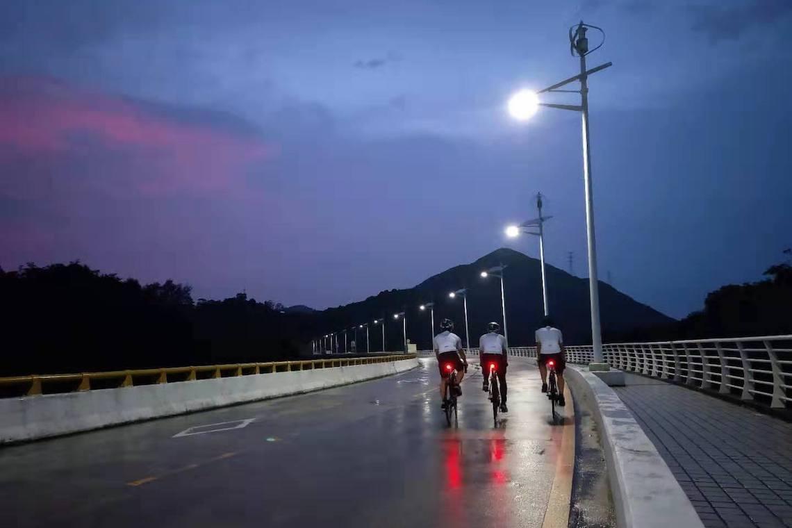 Raz Pro bike tail light.. Sempre sicuri in bici notte e giorno_E
