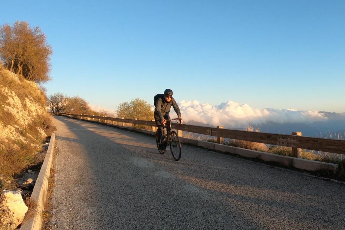 Giro in bici_Rocca_Calascio_AQ_urbancycling_it_Photo_credit__Mauro_Tarani_17