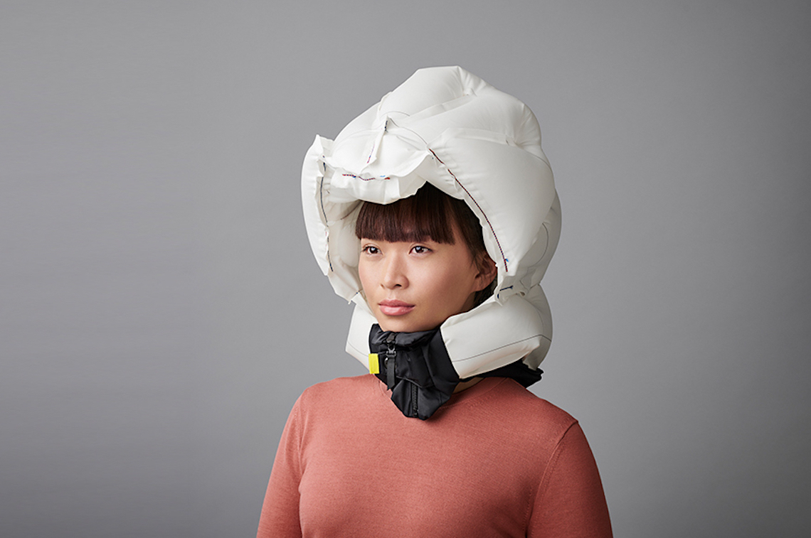 Hövding+3_airbag_for_urban_cyclist_3