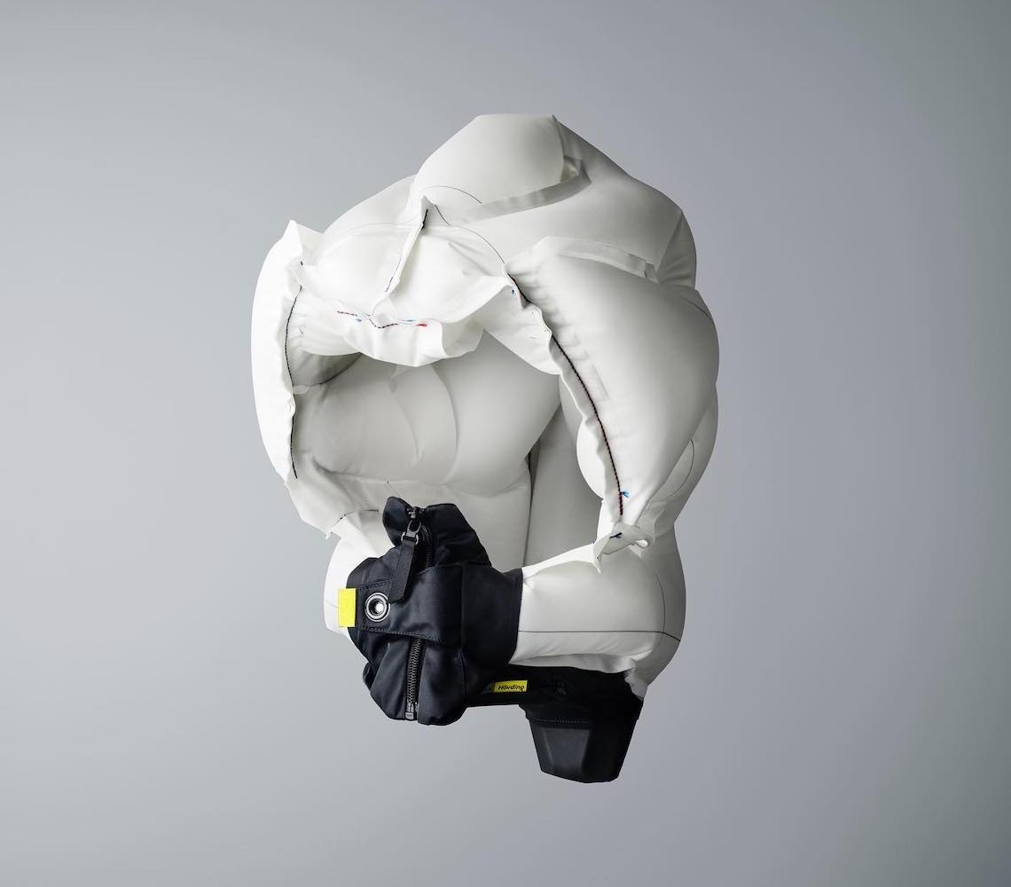 Hövding+3_airbag_for_urban_cyclist_5