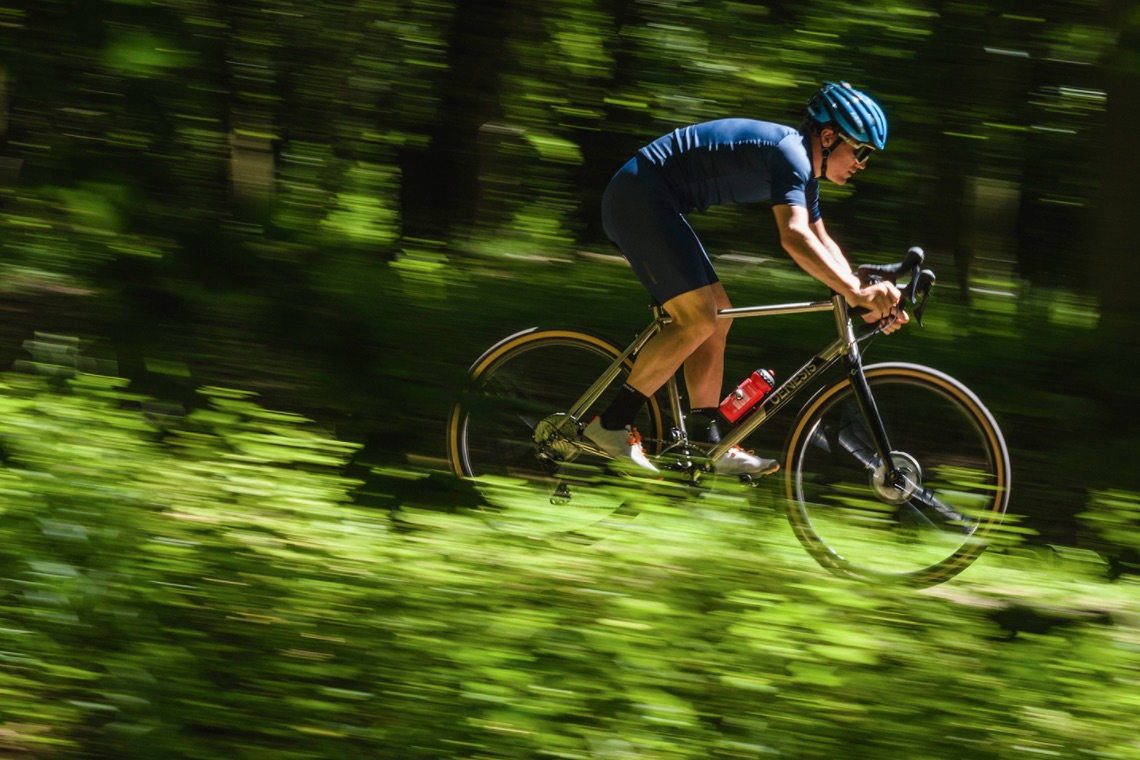bici_gravel_in_titanio_2020_Genesis_urbancycling_it_1