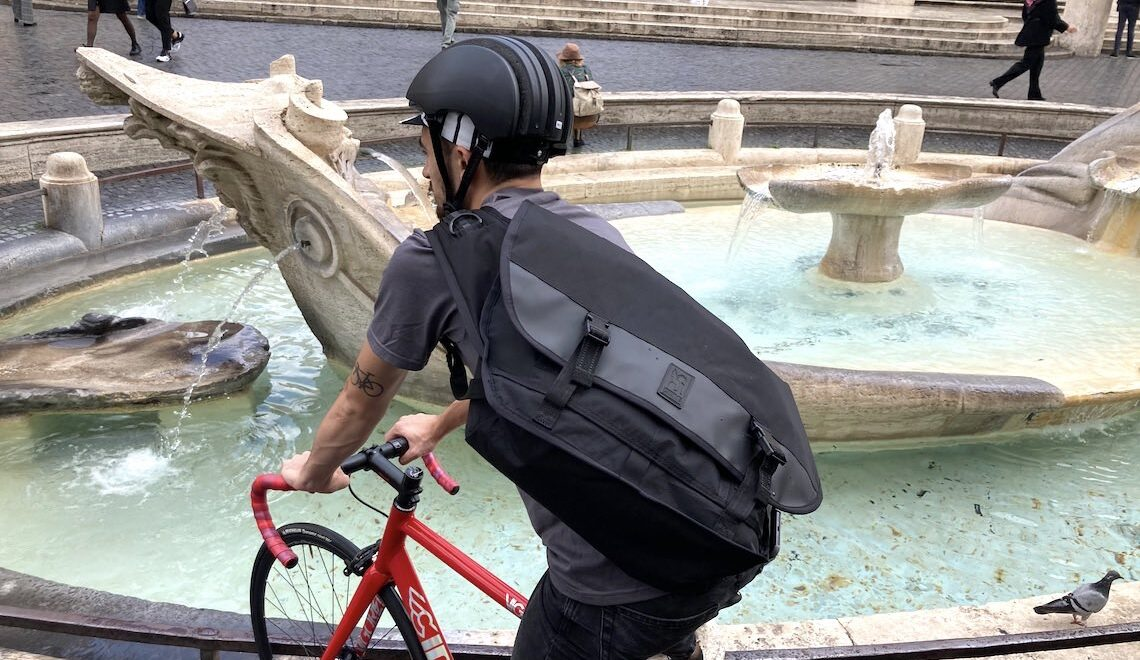 Chrome in Rome. La Citizen Messenger Bag BLCKCHRM 22X