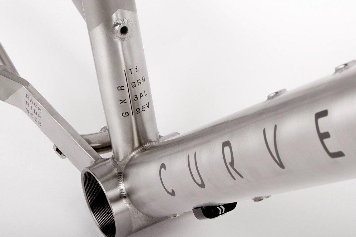 bici_gravel_in_titanio_2021_Curve_urbancycling_it