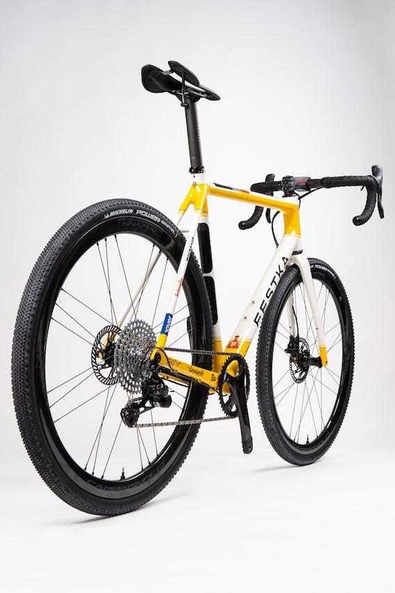 Festka Rover_gravel_bike_rally_audi_9