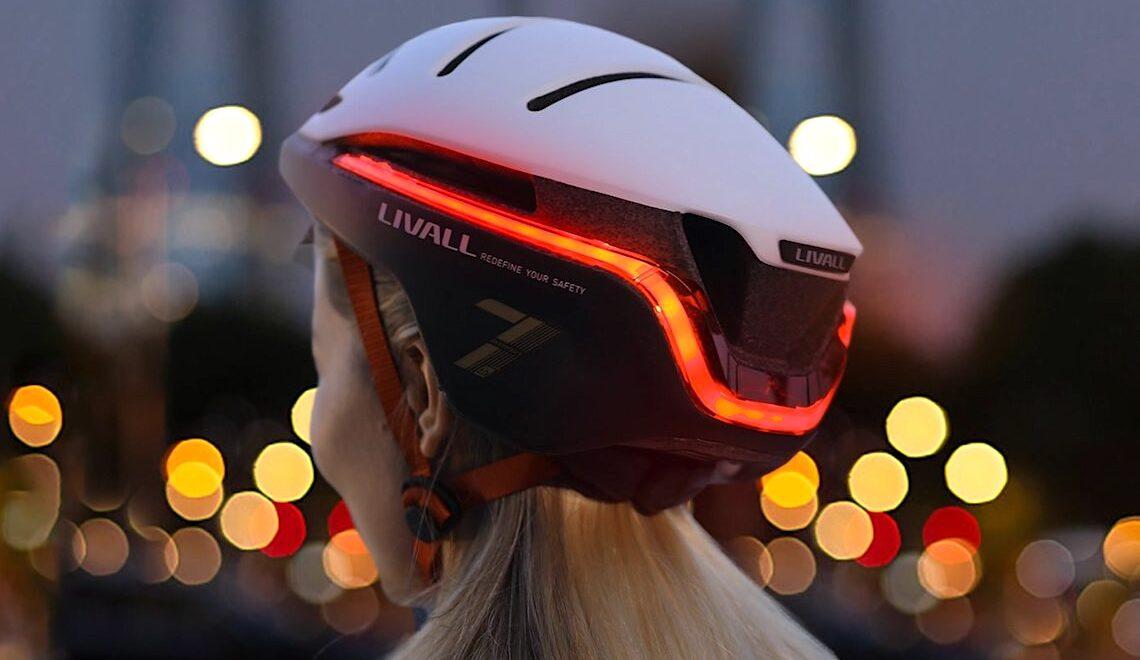 Livall EVO21 Smart Helmet_urbancycling_E