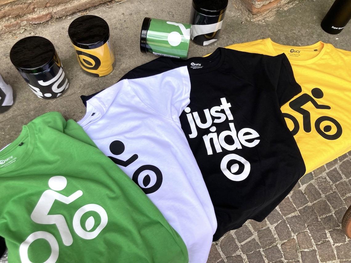#opendressride_ t-shirt_nel_barattolo_urbancycling_it_ph_credit_Mauro_Tarani_3/2