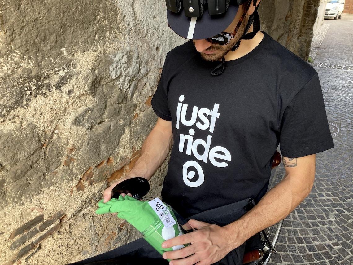 #opendressride_ t-shirt_nel_barattolo_urbancycling_it_ph_credit_Mauro_Tarani_4