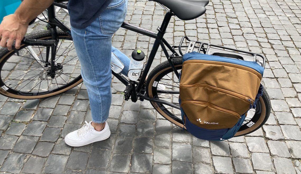 Vaude Cycle 28 II. La pratica borsa da bici che diventa zaino